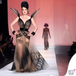 Dita Von Teese sfila per Jean Paul Gaultier 2