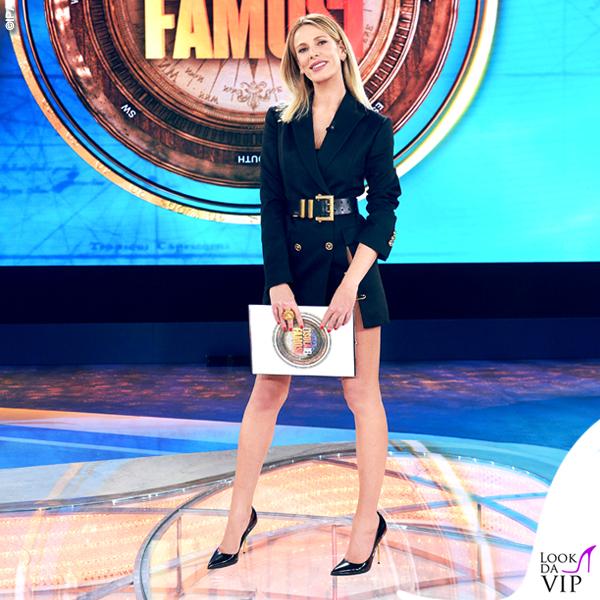 Isola prima puntata Alessia Marcuzzi total look Versace 1
