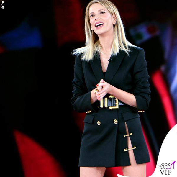 Isola prima puntata Alessia Marcuzzi total look Versace 3