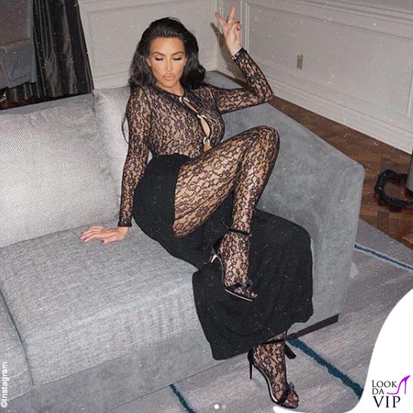 Kim Kardashian outfit Alexander Wang sandali Alexandre Birman
