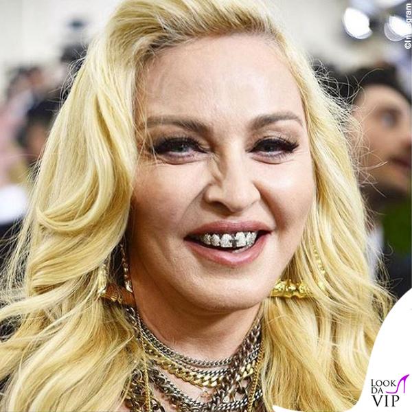 Madonna gioielli dentali Dolly Cohen
