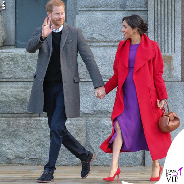 Meghan Markle cappotto Sentaler abito Aritzia borsa Demi Gabriela Hearst scarpe Stuart Weitzman
