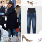 Meghan Markle jeans HM occhiali Victoria Beckham pump Stuart Weitzman 2
