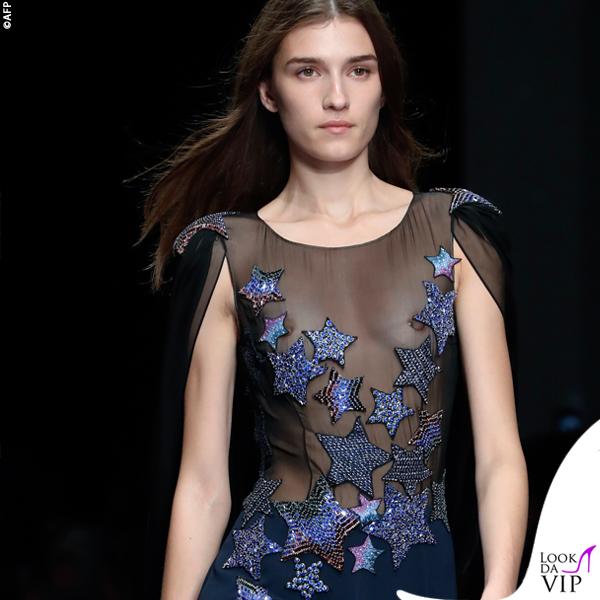 Parigi sfilata Azzaro Couture topless