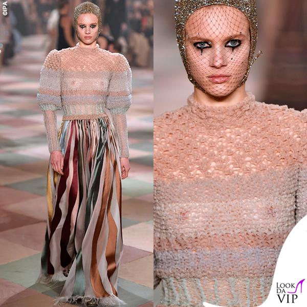 Parigi sfilata Dior topless