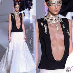 Parigi sfilata Givenchy topless