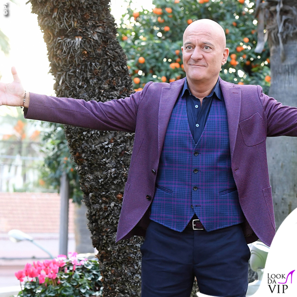 Sanremo 2019 Claudio Bisio total look Etro