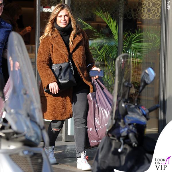 Vanessa Incontrada cappotto di pelo