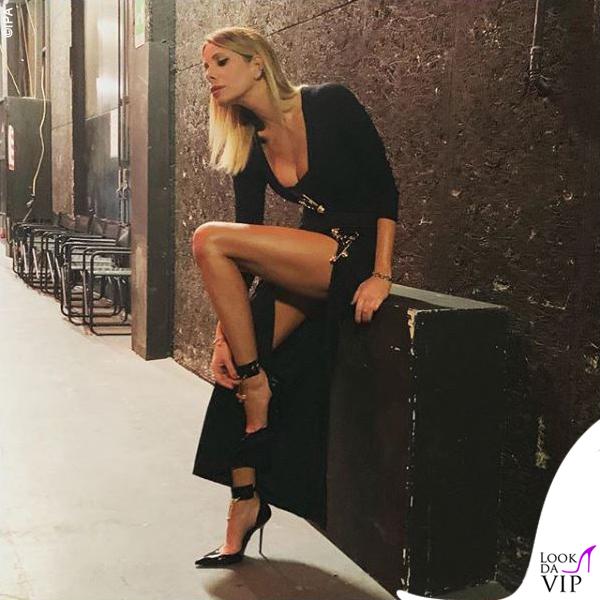 Alessia Marcuzzi Isola dei Famosi sesta puntata outfit Versace 5
