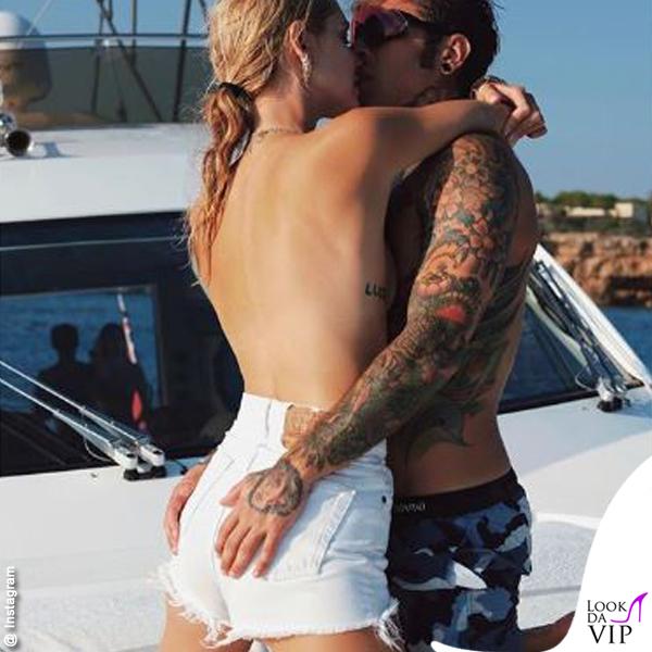Chiara Ferragni topless Fedez
