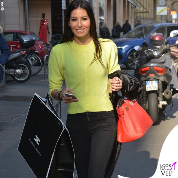 Elisabetta Gregoraci sneakers Balenciaga bracciali Cartier Anita Ko e Dior borsa Hermes 2