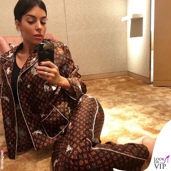 3fd8c403e7 Georgina Rodriguez, 2.700 euro di pigiama - lookdavip.com