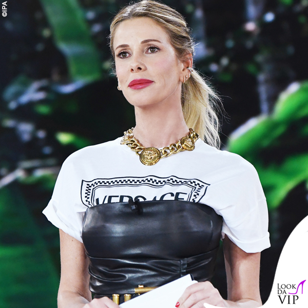 Isola quarta puntata Alessia Marcuzzi tshirt vestito cintura Versace 1