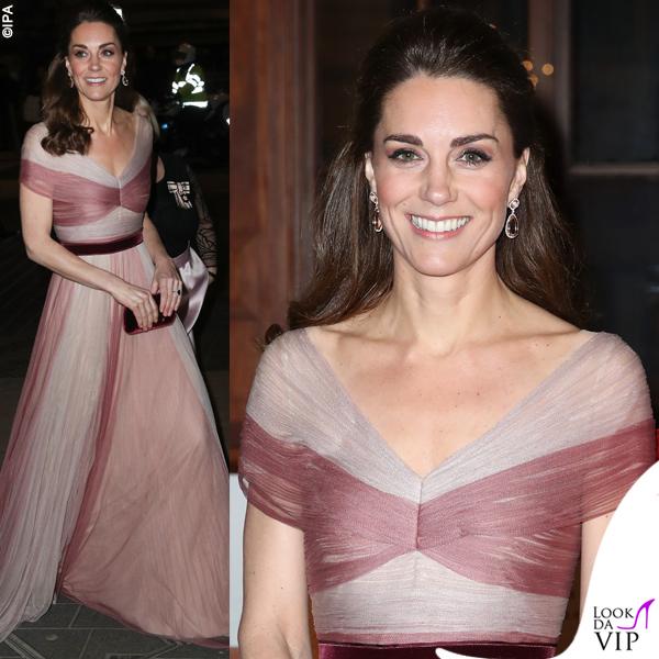 Kate Middleton abito Gucci pump Oscar de la Renta clutch Prada orecchini Kiki McDonough