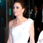 Kate Middleton abito e clutch Alexander McQueen pump Jimmy Choo 4