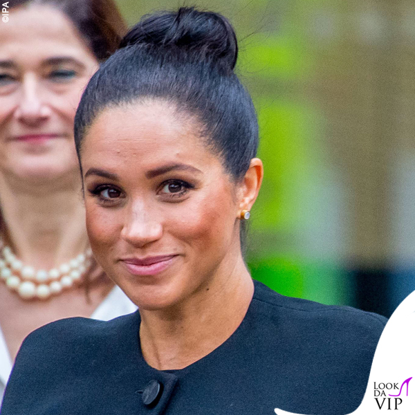 Meghan Markle outfit Givenchy pump Manolo Blahnik 6