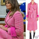 Melania Trump cappotto rosa Fendi