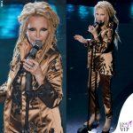 Sanremo 2019 Patty Pravo quarta serata outfit Simone Folco
