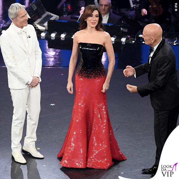 3a1bd9f9e258     · Sanremo 2019 quinta serata Virginia Rafaele abito nero rosso  paillettes Armani Prive
