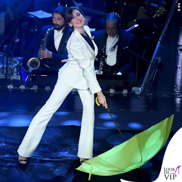 Sanremo 2019 quinta serata Virginia Rafaele tailleur bianco Armani Prive