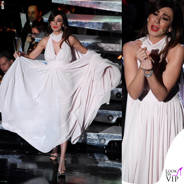 Sanremo 2019 terza serata Virginia Raffaele abito Giambattista Valli 1