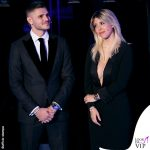 Wanda Nara e Mauro Icardi C'è posta per te outfit Armani 4