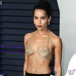 Zoe Kravitz gonna e clutch Saint Laurent reggiseno Tiffany & Co.