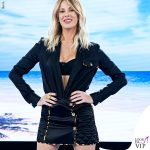Alessia-Marcuzzi-Isola-settima-puntata-outfit-Versace-3