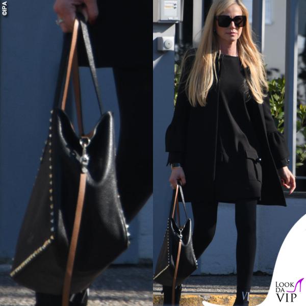 Federica Panicucci total black borsa scarpe Valentino