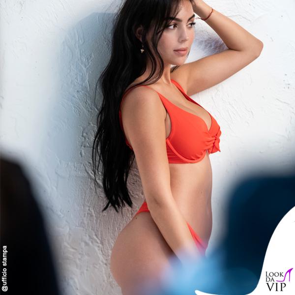 Georgina Rodriguez testimonial Yamamay bikini rosso essential backstage