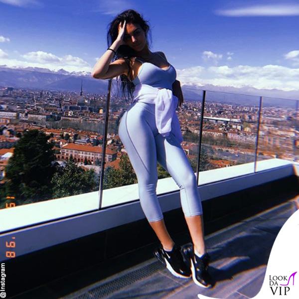 Georgina Rodriguez total look Alo Yoga 9
