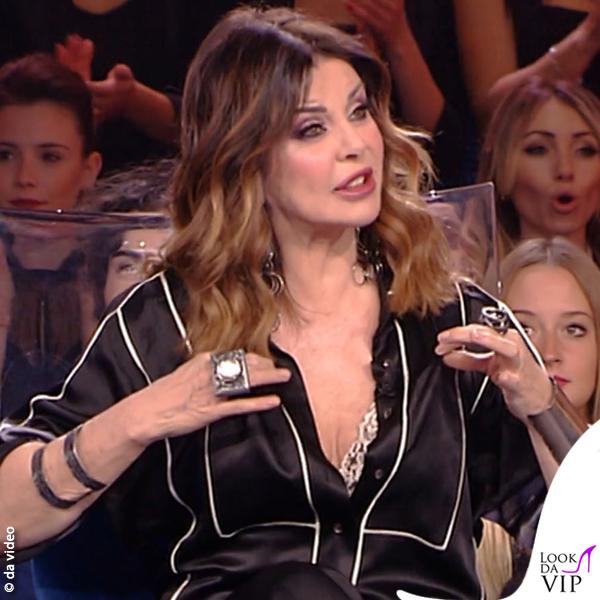 Isola 10 puntata Alba Parietti pigiama Diliborio
