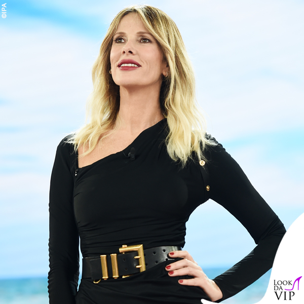 Isola ottava puntata Alessia Marcuzzi outfit Versace 5