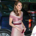Kate-Middleton-abito-Gucci-pump-Oscar-de-la-Renta-clutch-Prada-orecchini-Kiki-McDonough-4