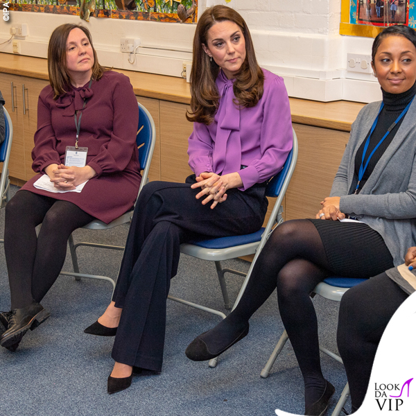 Kate Middleton camicia Gucci Pussy pantaloni Jigsaw borsa Aspinal of London 2