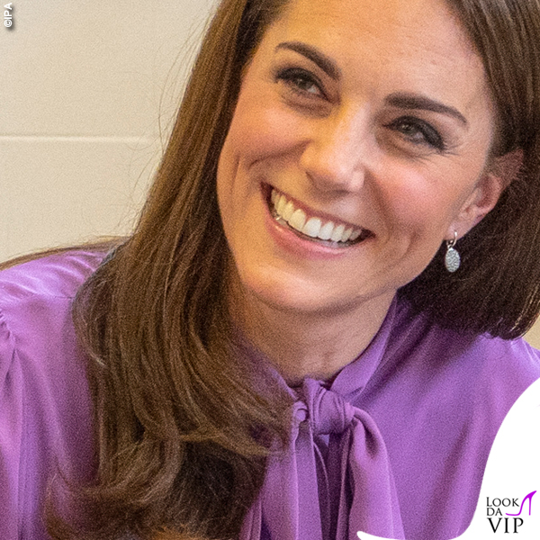 Kate Middleton camicia Gucci Pussy pantaloni Jigsaw borsa Aspinal of London 4