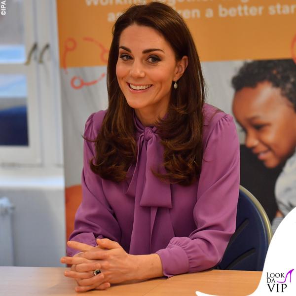 Kate Middleton camicia Gucci pantaloni Jigsaw borsa Aspinal of London