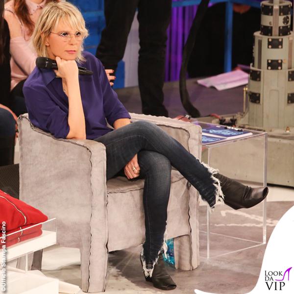 Maria De Filippi Amici 20190309 camicia viola jeans sfrangiati stivaletti Rick Owens