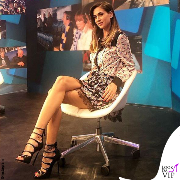 Melissa Satta abito Twinset sandali Casadei