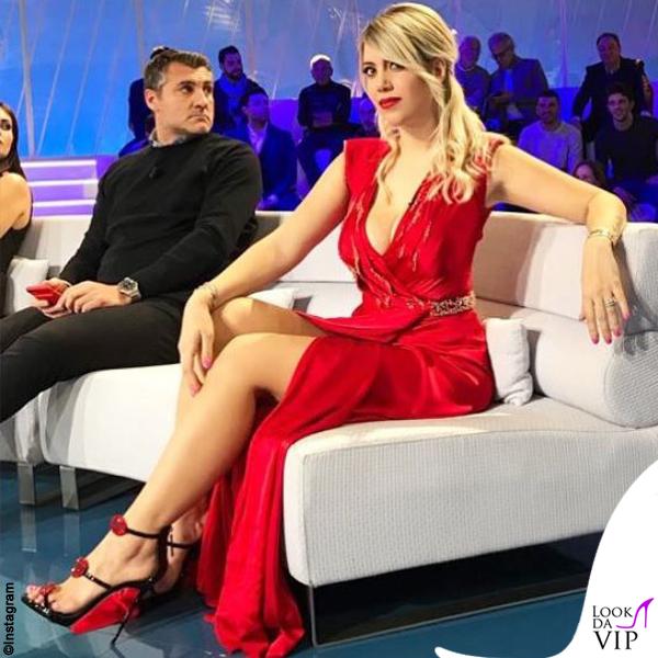 Wanda Nara abito Blumarine sandali Giuseppe Zanotti