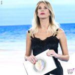 Alessia Marcuzzi Isola 9 puntata vestito stivali Versace 1