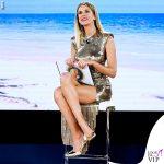 Alessia Marcuzzi Isola Finale vestito Versace 2