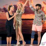 Alessia Marcuzzi Isola Finale vestito Versace 5