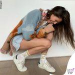 Bianca Balti giacca Alanui calze High Heel Jungle Socks sneakers Hide and Jack 3