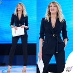 Isola-10-puntata-Alessia-Marcuzzi-total-look-Versace-1