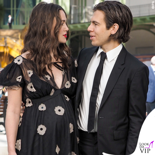 Keira Knightley incinta James Righton outfit Chanel 4