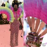 Lupita Nyongo MET 2019 outfit Versace unghie