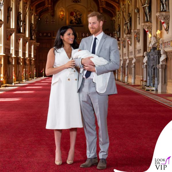 Meghan Markle Harry Baby Sussex abito Wales Bonner collana Jennifer Meyer copertina G H Hunt 2
