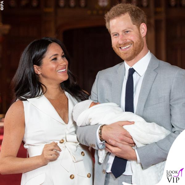 Meghan Markle Harry Baby Sussex abito Wales Bonner collana Jennifer Meyer copertina G H Hunt 3