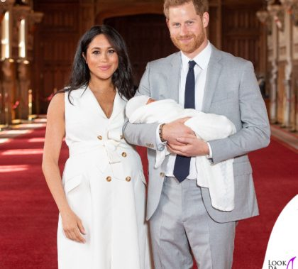 Meghan Markle Harry Baby Sussex collana Jennifer Meyer copertina G H Hunt